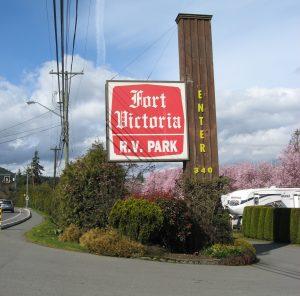 fort victoria rv park entrance sign